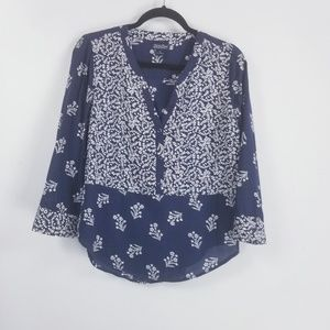 Lucky brand longsleeve button blouse M floral